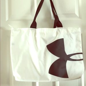 Carry-all bag tote by Under Armour